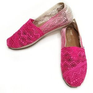 Tom's Fuchsia Dip Died Crochet Ombre Shoes 7.5
